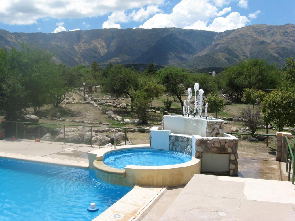 La pileta dentro o cerca de Complejo Turístico Cerro de Oro