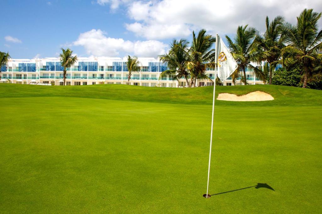 Instalaciones para jugar al golf en el hotel