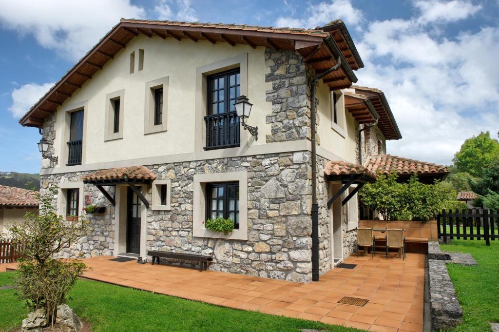 Casa Rural Llugarón III (España Miravalles) - Booking.com