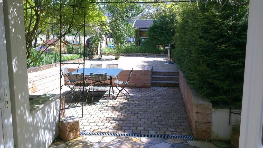 A piscina localizada em The Guest House II ou nos arredores