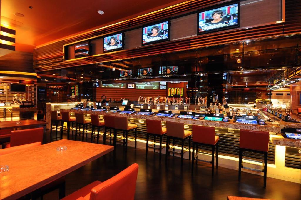 Un restaurant u otro lugar para comer en M Resort Spa & Casino