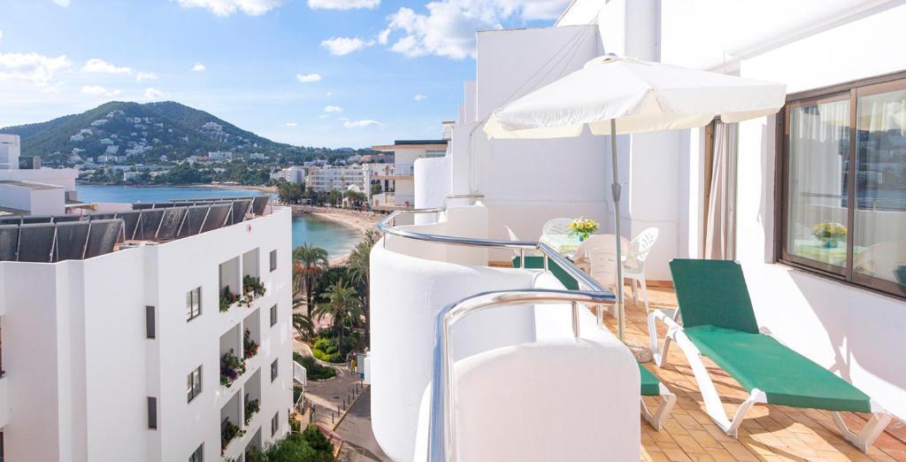 Apartamentos Bon Lloc (Espanha Santa Eulària des Riu ...