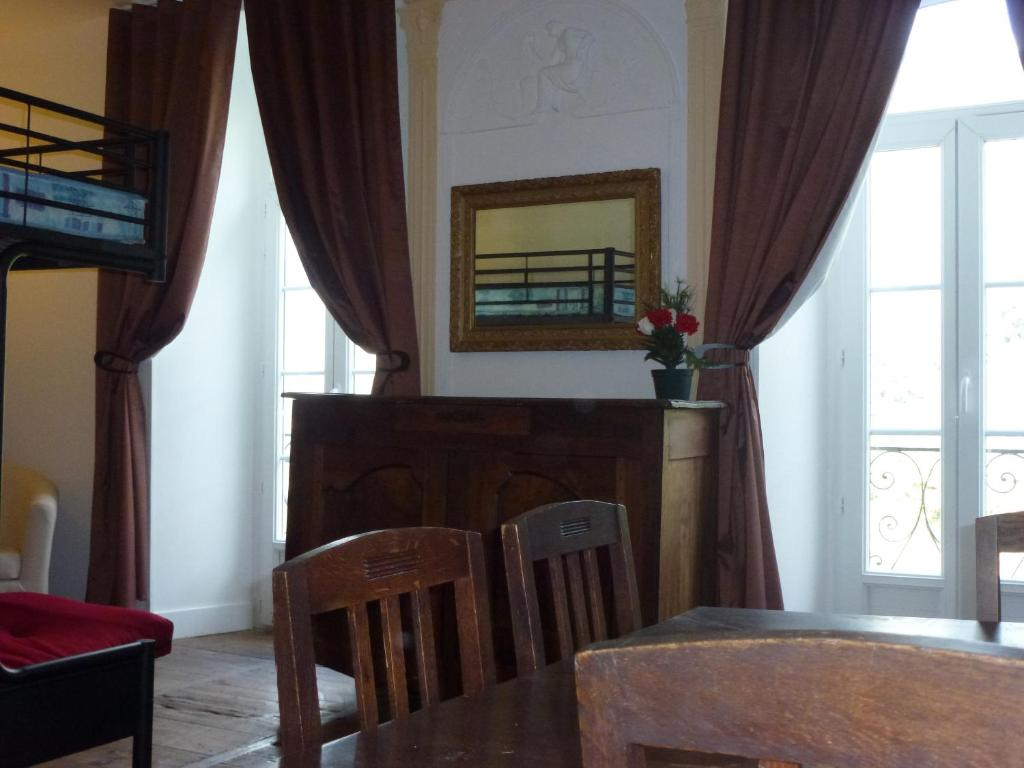 Apartamento bon 39 apparte fran a luz saint sauveur for Bon de reservation hotel