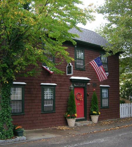 Melville House Newport