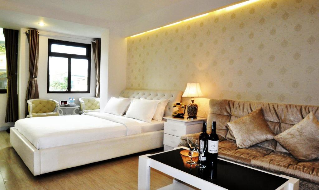 Khách sạn The White 1