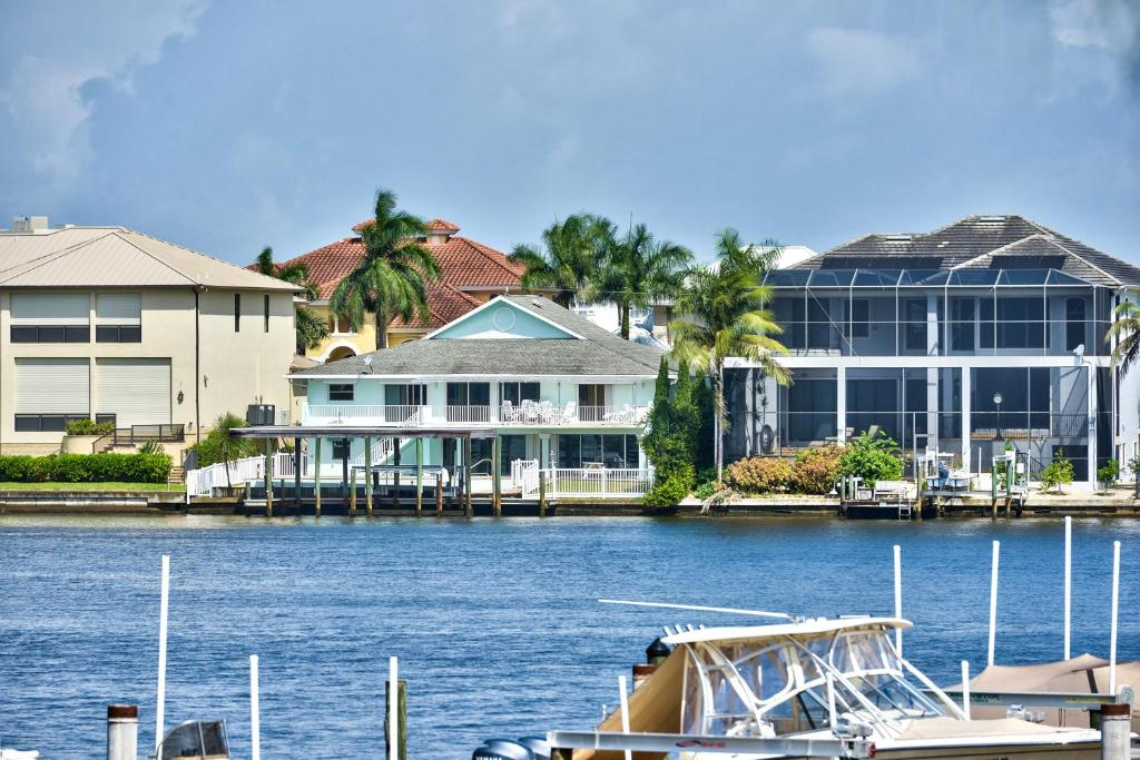 vacation home canal grande rental  naples  fl
