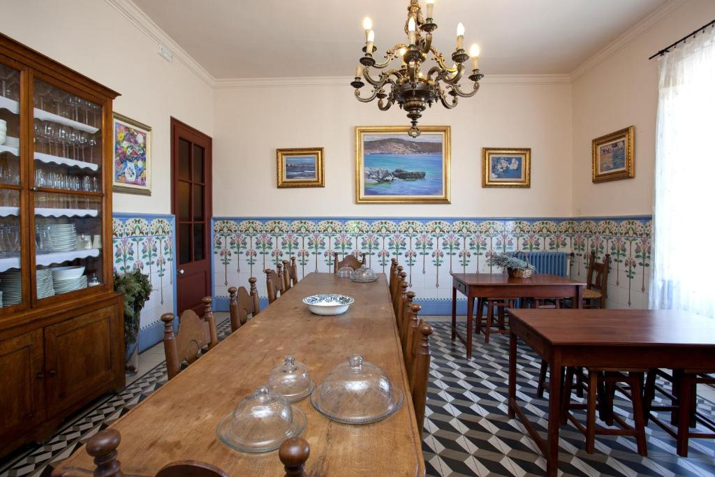 Casa de temporada Masia Escrigas (Espanha Santa María de ...