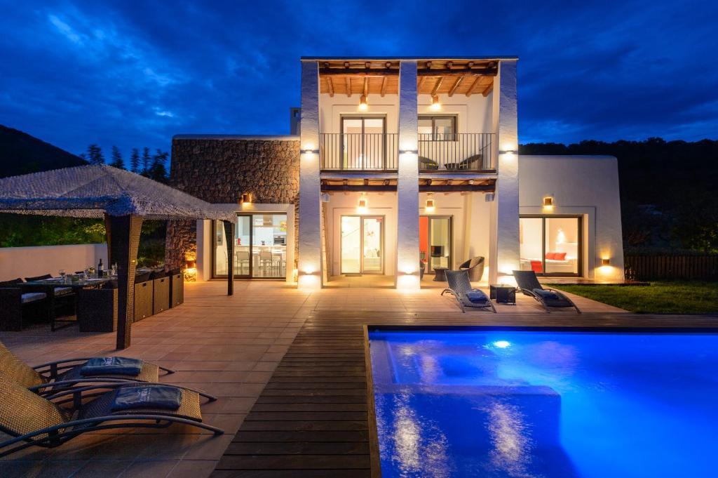 Villa neus espa a ibiza ciudad for Ciudad jardin ibiza