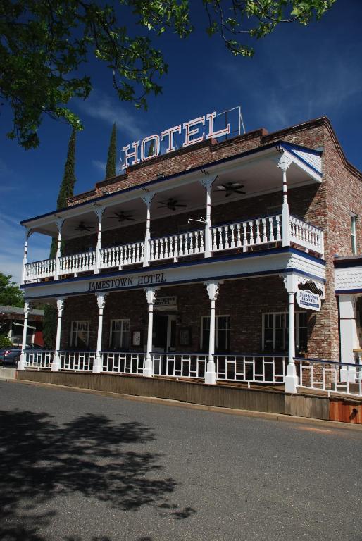 Jamestown Hotel