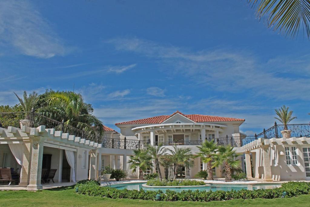 Villa blanca punta cana dominican republic for Villas en punta cana