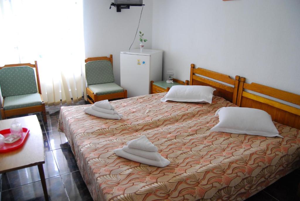 Hotel Traian room 2