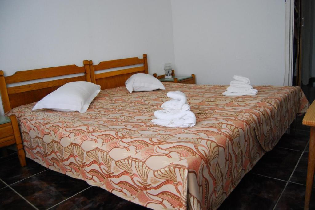 Hotel Traian room 1