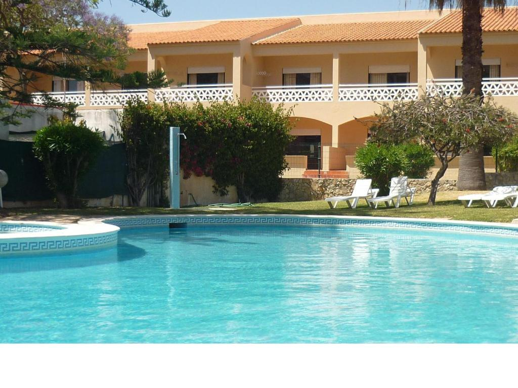 Best deals for apartamentos mar sol vilamoura portugal for Apartamentos villa jardin cambrils