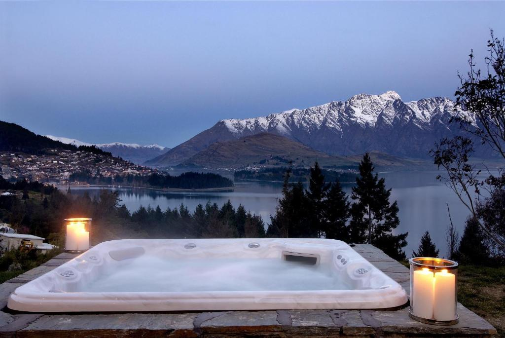 Villa amaroo queenstown new zealand for 5 the terrace queenstown