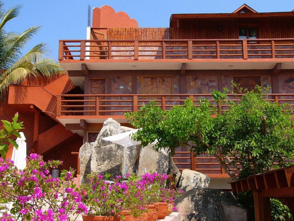 Hotel Paradise Lagoon