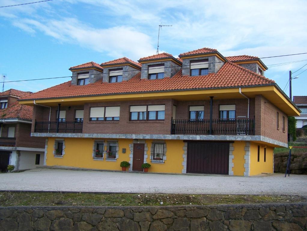 Apartamentos la lastra de altamira espanha santillana del mar - Apartamentos capriccio santillana del mar ...