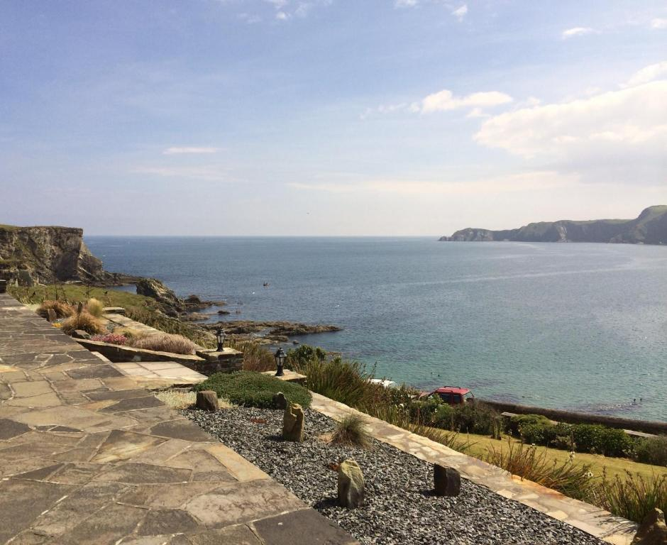 <div data-et-view=NAFQCDCcdXDPdFO:1</div Sandycove Self Catering