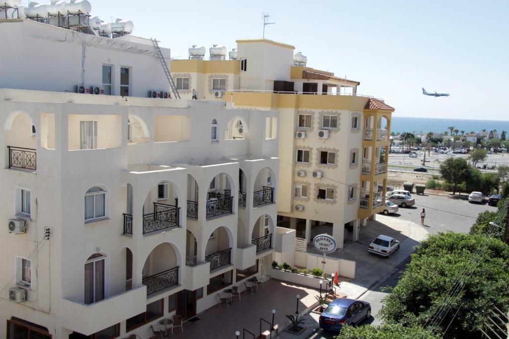Pasianna hotel apartments larnaca cyprus for Hotel appart metz