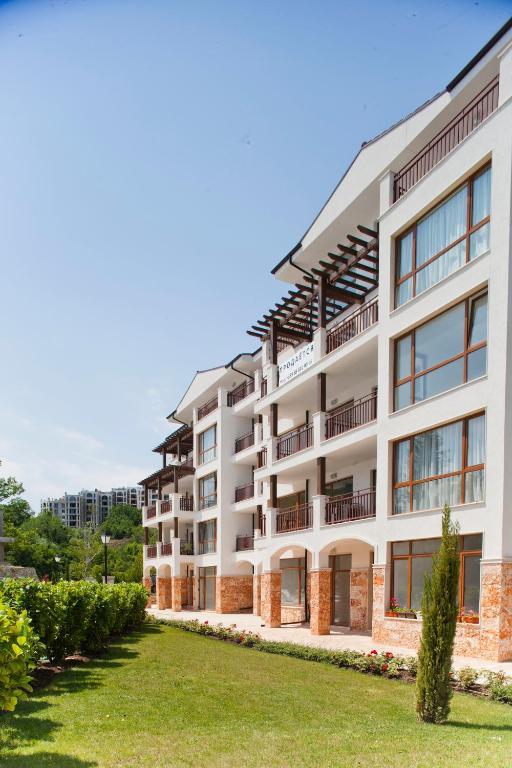Cornelia Garden Apartments