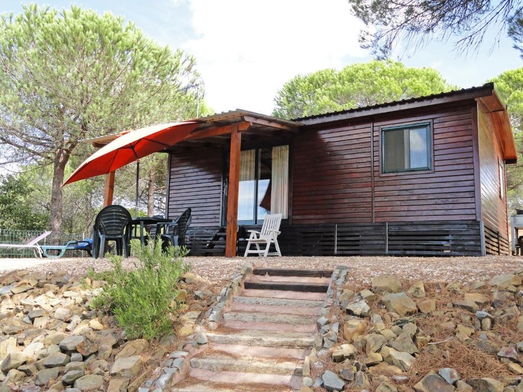 Casa de temporada casa de madeira na serra portugal for Booking casas