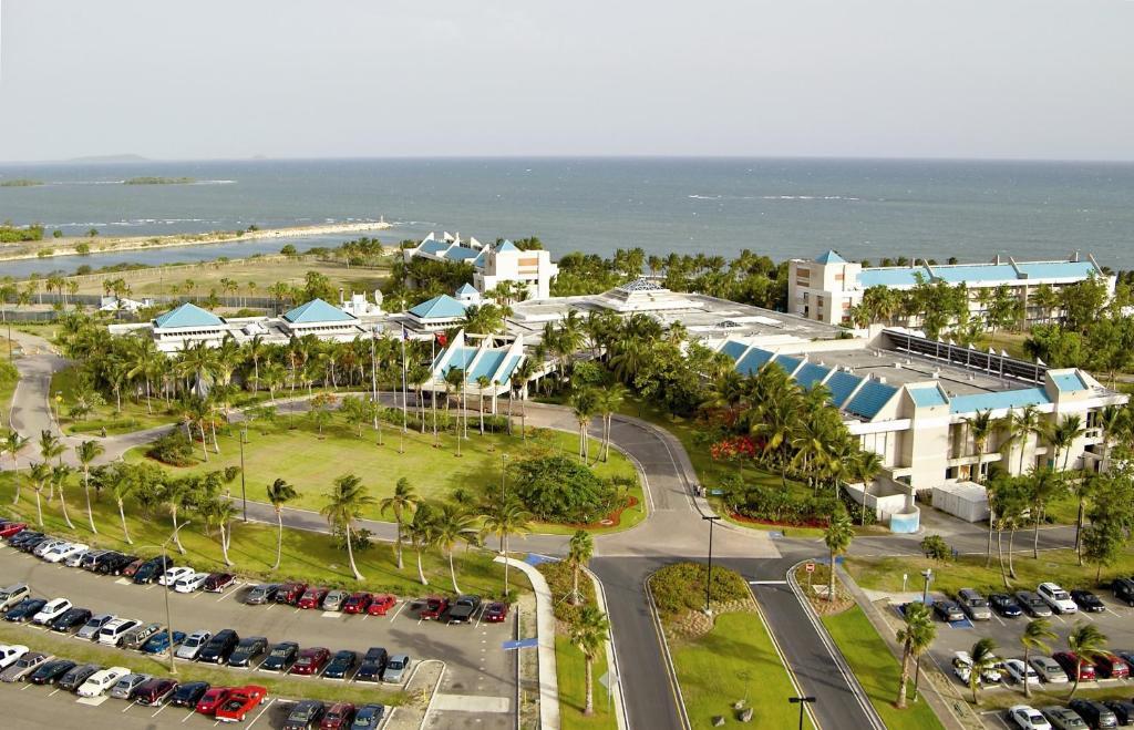 Una vista aérea de Hilton Ponce Golf & Casino Resort