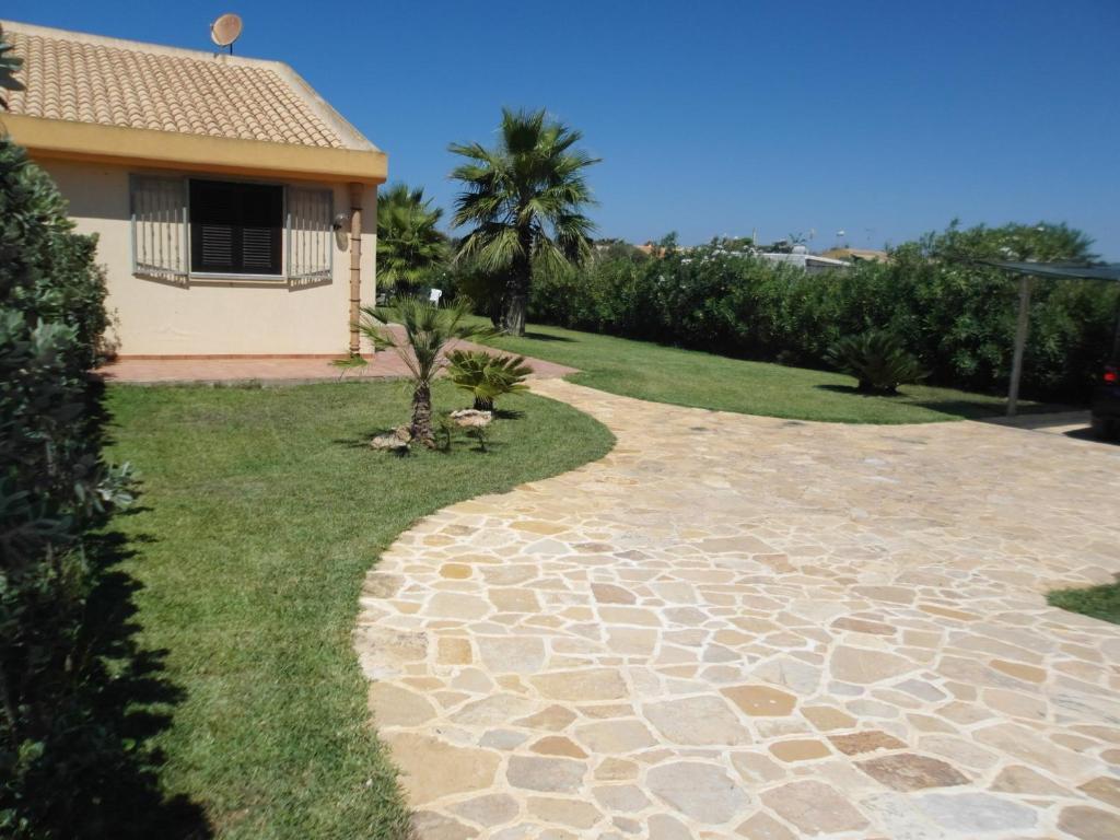 Villa mannone al mare it lia marsala for B b budoni al mare