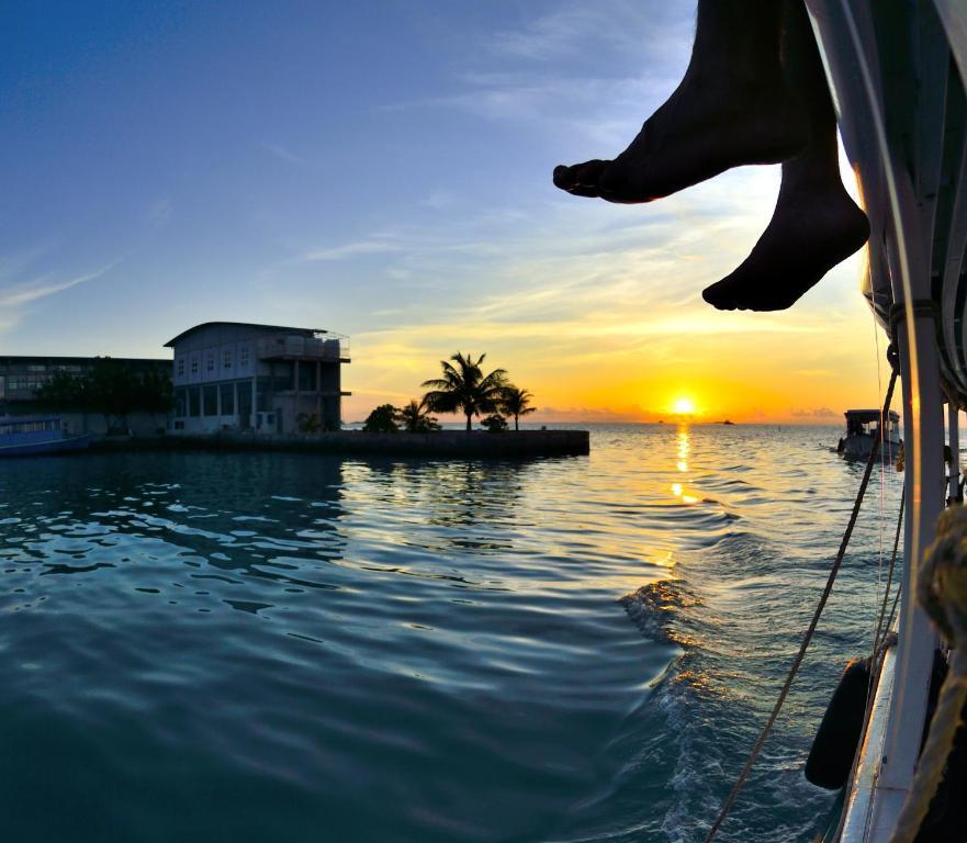 Just Surf and Dive Villa (Maldive Himmafushi) - Booking.com