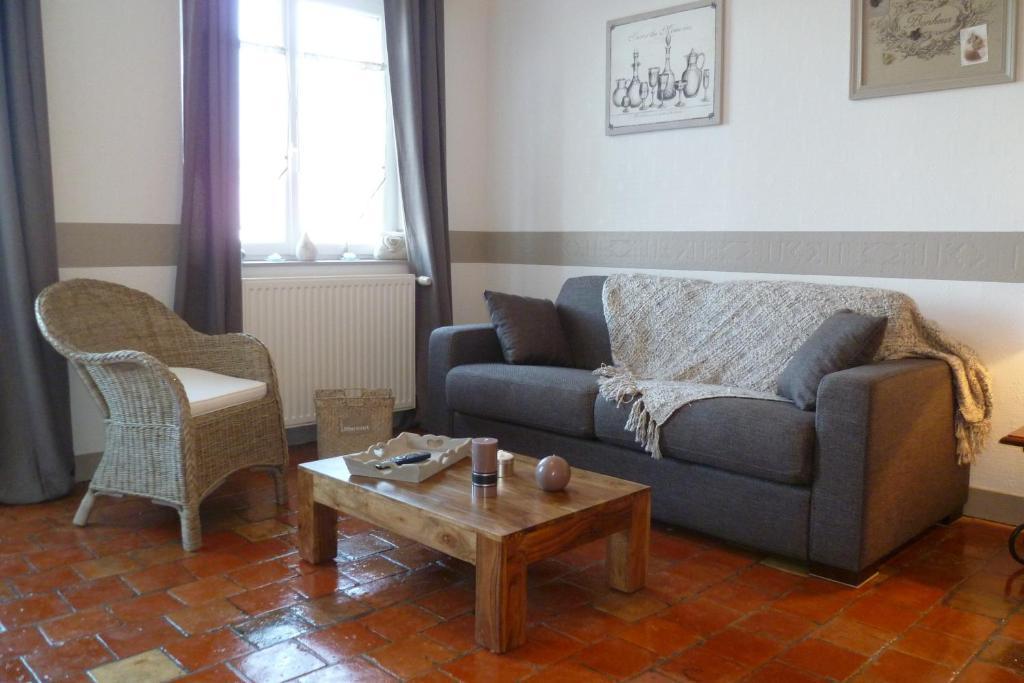 apartamento studio bord de mer fran a honfleur. Black Bedroom Furniture Sets. Home Design Ideas