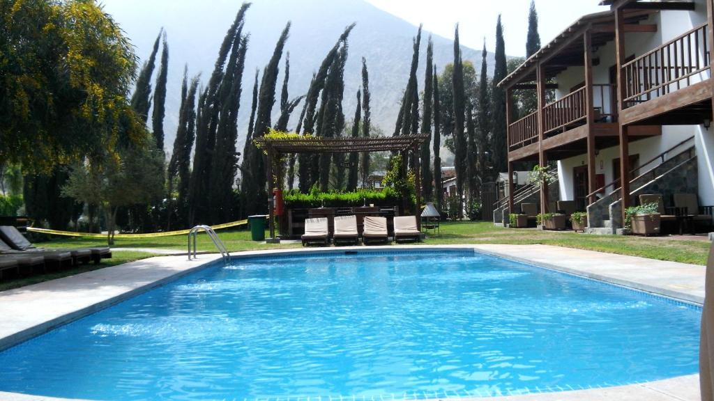 Casa de campo cieneguilla per cieneguilla for Alquiler de casa con piscina en sevilla fin de semana