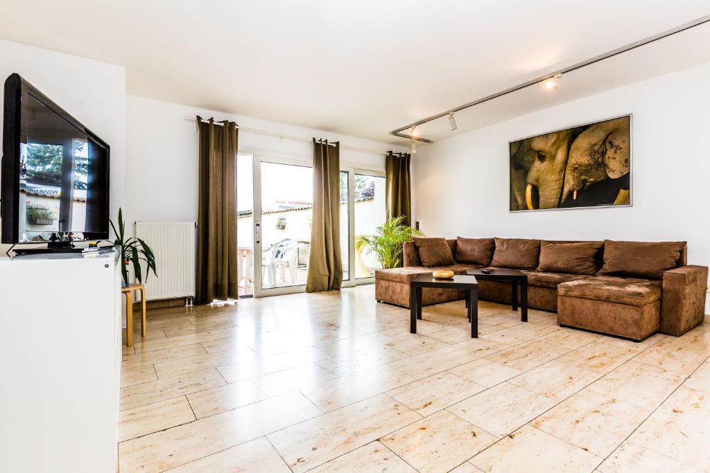 apartment k ln weidenpesch deutschland k ln. Black Bedroom Furniture Sets. Home Design Ideas