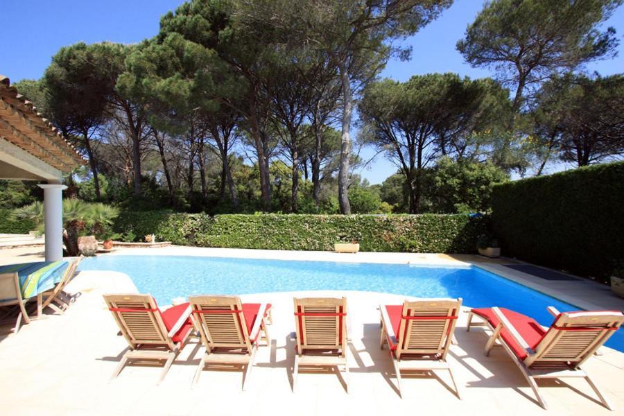 villa in saint raphael saint rapha l. Black Bedroom Furniture Sets. Home Design Ideas