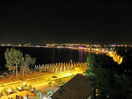 Neptun Hotel (Side)