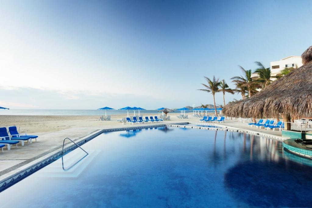 בריכת השחייה שנמצאת ב-Posada Real Los Cabos או באזור