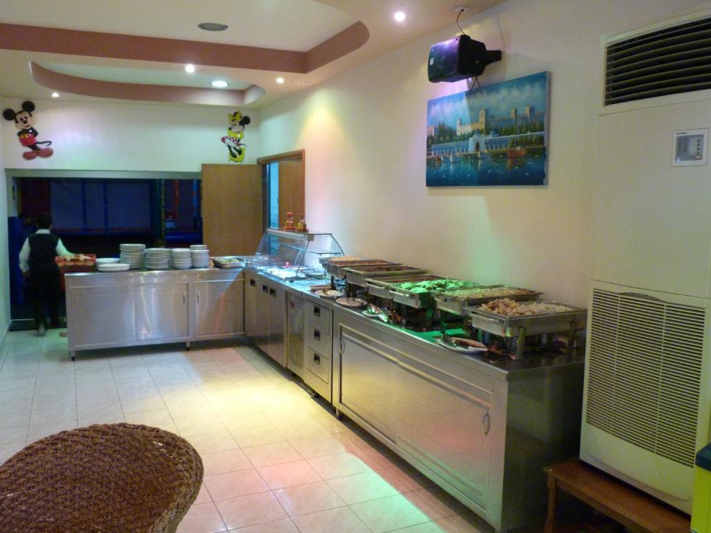 Sotirakis Hotel room 6