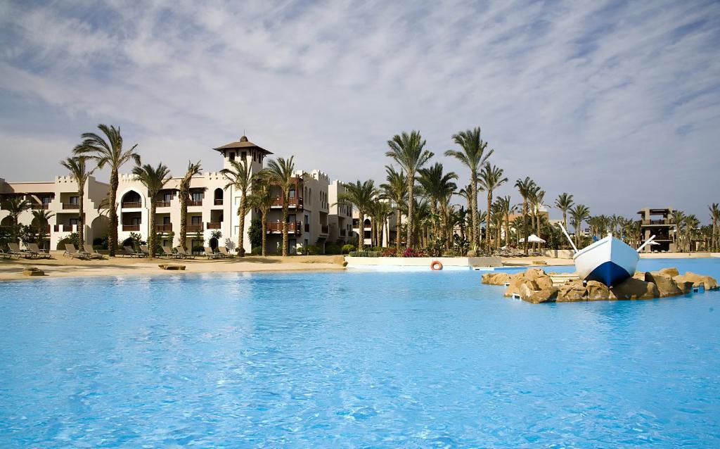 Crowne Plaza Sahara Oasis Port Ghalib Resort  Sterne Hotel