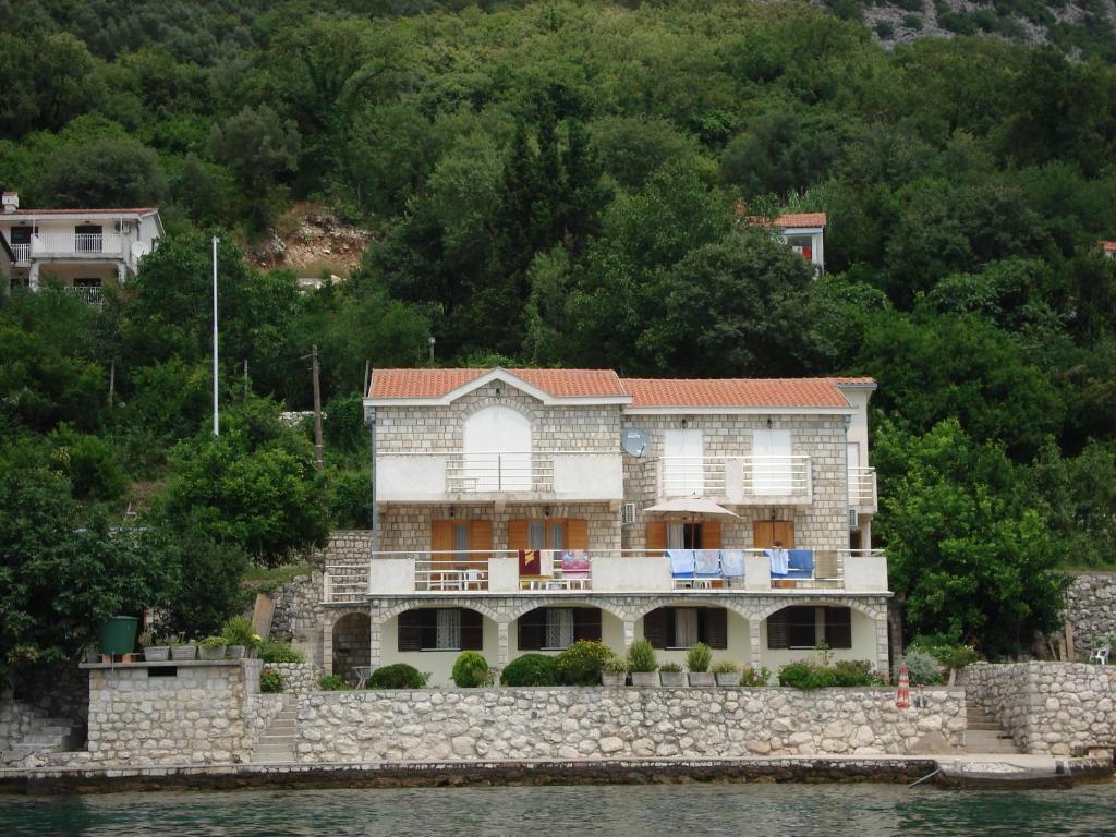 Черногория аренда дражин врт