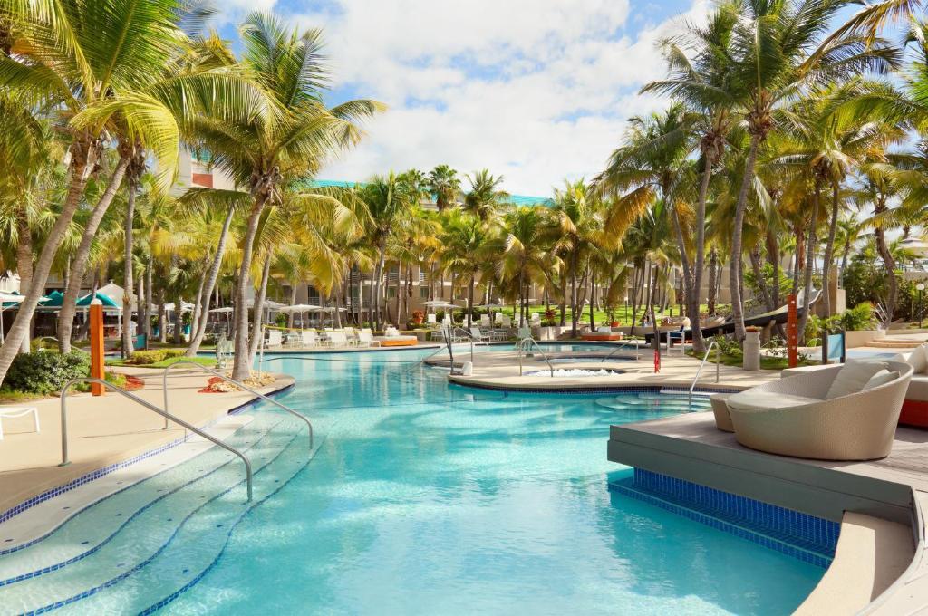 La pileta dentro o cerca de Hilton Ponce Golf & Casino Resort