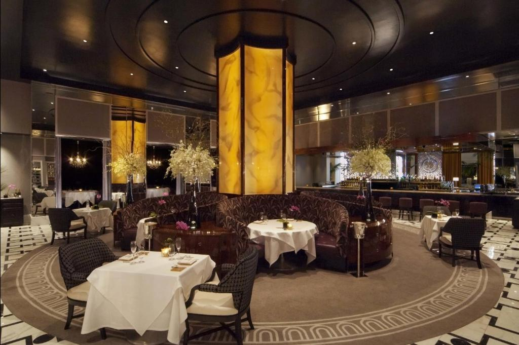 Un restaurant u otro lugar para comer en Trump International Hotel Las Vegas