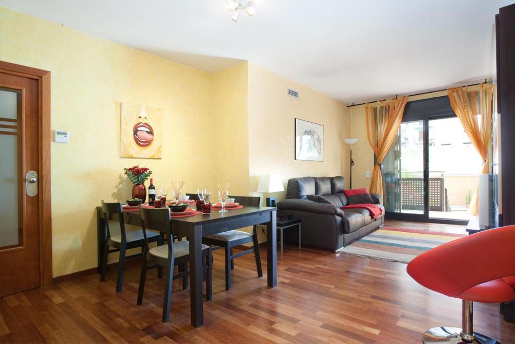 Gowithoh apartamento arago espa a barcelona - Apartamentos en barcelona booking ...