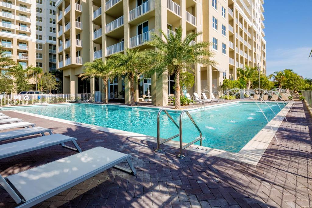 Mare Azur Miami Luxury Apartments b, FL - Booking.com