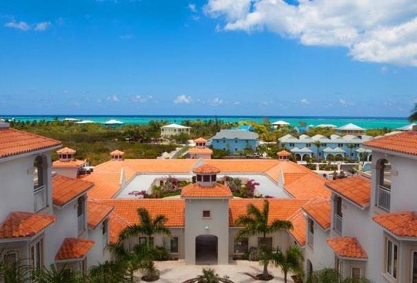 Uma vista aérea de Hotel La Vista Azul
