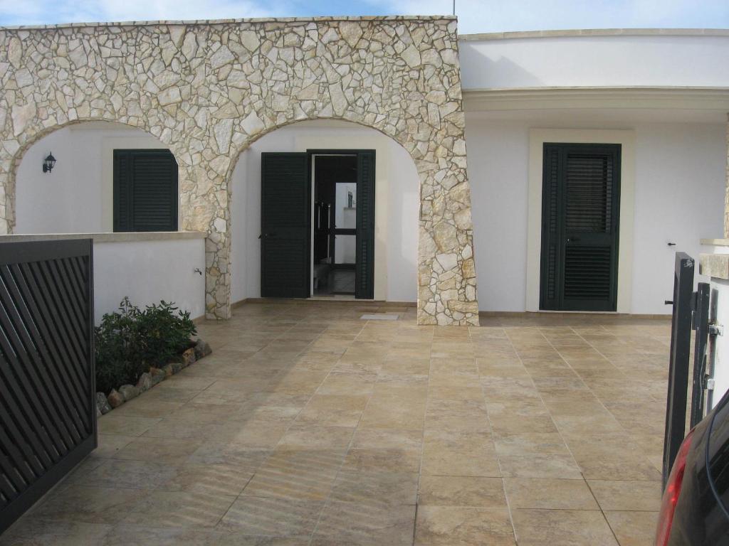 Casa vacanze villetta in stile mediterraneo italia marina for Caratteristiche dell architettura in stile mediterraneo
