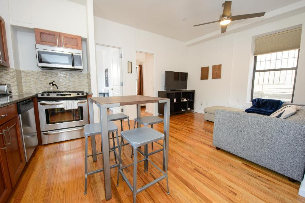 Apartment Lower East Side 3 Bedroom New York City Ny