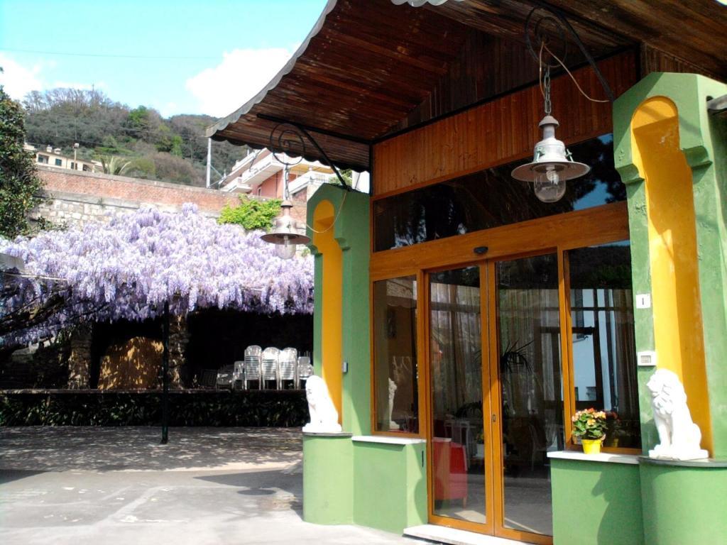 Hotel residence moneglia incluse foto for Hotel moneglia