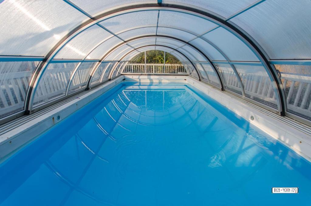 בריכת השחייה שנמצאת ב-נופש מרום או באזור