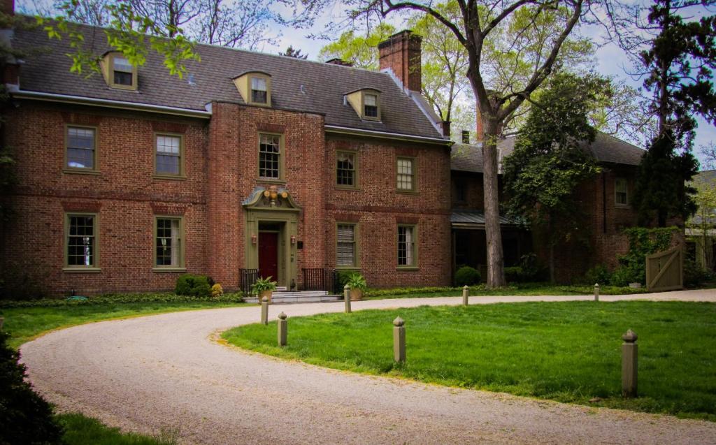 Great Oak Manor