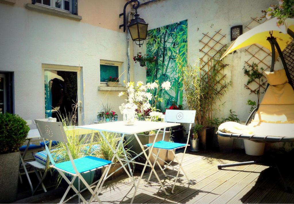 Saint pierre appart hotel chartres france for Appart hotel chartres