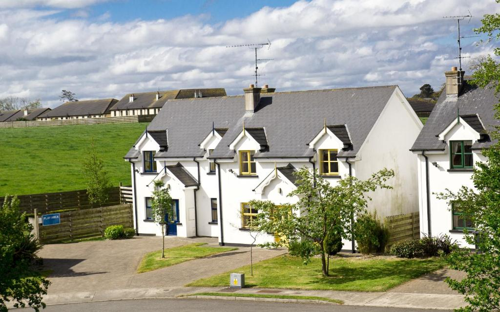 Upton court holiday homes kilmuckridge ireland for Upton builders