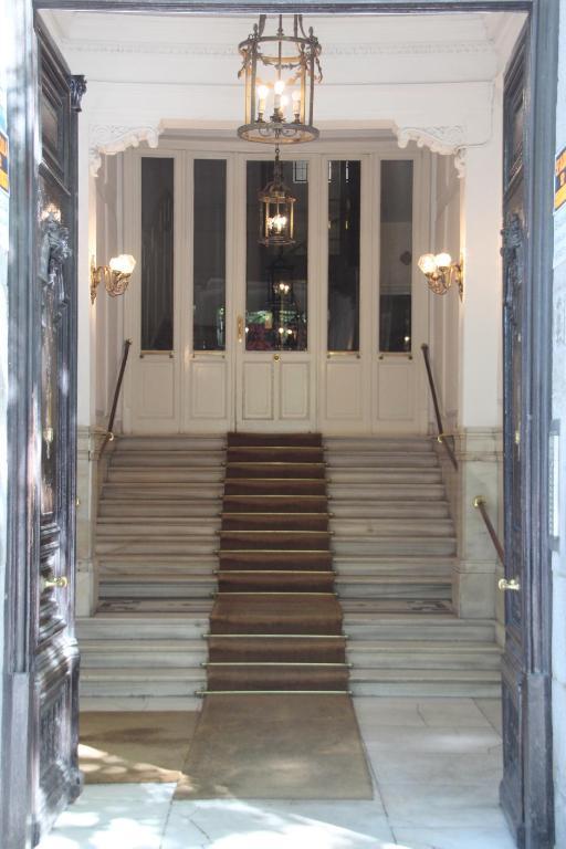 Apartamentos de lujo alcal 55 madrid spain for Booking hoteles de lujo