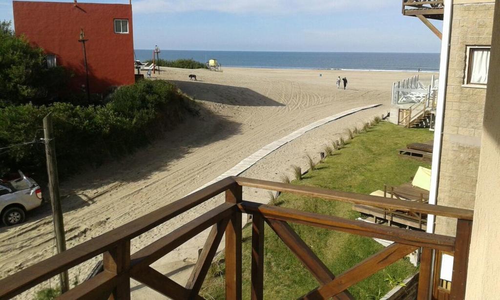 Aparthotel posada de las gaviotas argentina las gaviotas for Hotel con piso de vidrio sobre el mar